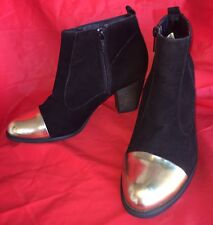 Black Side Zip size 7 1/2 WANTED gold toe bootS Heels Synthetic Leather