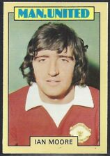 A&BC-FOOTBALL 1973 BLUE BACK-#030- MANCHESTER UNITED - IAN MOORE