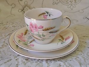 VINTAGE ALFRED MEAKIN COLUMBINE PINK FLORAL TRIO CUP SAUCER PLATE ENGLAND