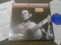 WOODY GUTHRIE - SINGS FOLK SONGS LP + BOOKLET EX!!! SHRINK ORIGINAL U.S FOLKWAYS