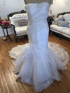 #363 Dramatic Ivory Ruched Wedding Gown Sz 10