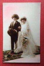 CPA ou CPSM. Couple Enfants Mariage. Robe de Mariée. Tenue de Marié.