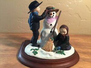 Amish Heritage Collection Figurine 30037 A  WINTER HOLIDAY 1st Issue