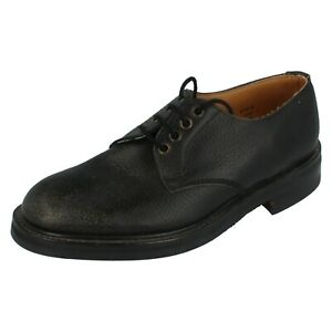 Mens Loake Black Grained Leather Lace Up Shoes 371003 F Fit