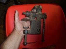 Ancien Outil de Ferronnier Serrurier Plombier Menuisier Moyen Etau d'Etabli