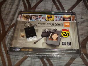 NEW DIGITAL PHOTO ALBUM W/KEYCHAIN 8MB/USB