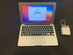 """Apple MacBook Air 11.6"""" (128GB SSD, Intel Core i5, 8GB RAM) Excellent Condition"""