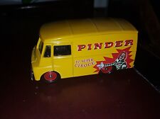 Morris LD 150 Van - cirque Pinder - Corgi  - 1/55