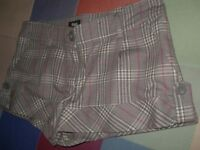 pantalon corto o short marca Blanco mil rayas en Gris rosa beige talla 36