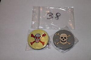 2 Buttons,Anstecker,Pins,4,5cm Durchmesser,mit Nadel,#B8