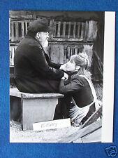 """Original Press Photo Movie Still -10""""x8"""" - Barbra Streisand - Yentl 1983 - Seat"""