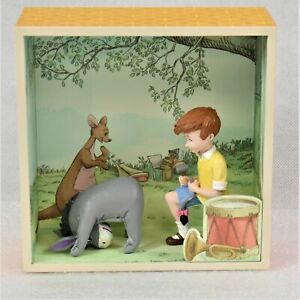 Hallmark Winnie The Pooh Hundred Acre Wood Fixing Eyore's Tail Preowned