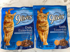 9 Lives Daily Essential Dry Cat Food mix of Chicken, Beef, and Salmon 12oz 2 Bag