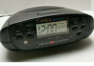 Timex Indiglo Night Light + Dual Alarm + AM/FM + Calendar + Clock Radio