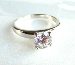 Lady Women Solitaire Ring Simulated Diamond Size us 6.7 UK N White Gold Plated
