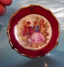 Ancienne Miniature porcelaine de limoges érotisme Fragonard amoureux au parc