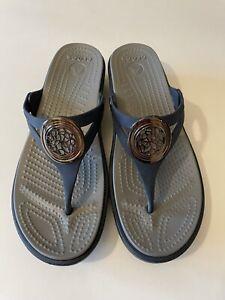 Crocs Womens Size 8 Open Toe Sandals Blue and Gray Embellished Flip Flops