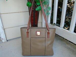 Vintage Dooney & Bourke beige pebble leather medium tote shoulder bag