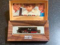 Marklin spur z scale/gauge Steam Locomotive & Tender.