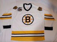 Boston Bruins vintage CCM NHL Hockey Medium RARE Bear shoulder patch jersey