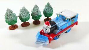 2006 Tomy Trackmaster Thomas & Friends Christmas Thomas + Snowy Trees Xmas Gift