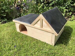 Hedgehog Shelter,Feeding Station,Wooden Handmade Hibernation Home.great Gift