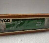 TYCO HO Scale Box Car 50 Foot Plug Door Burlington Northern 339E