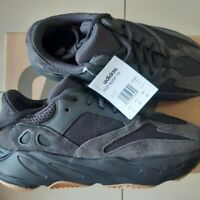 New Yeezy Boost 700 UTILITY BLACK Size 9
