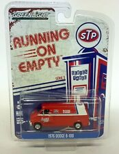 Greenlight 1/64 Scale 1967 Dodge B-100 STP Van Racers Edge Diecast Model Car
