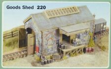 RATIO N SCALE PLASTIC KIT STONE GOODS SHED  RT220