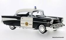 Chevrolet Bel Air Hardtop 1957 California Highway - 1:18 Lucky DieCast
