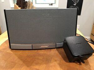 Working Bose SoundDock Portable Digital Music System Speaker Black N123