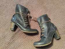 Mustang Boots Size 6(39) Used