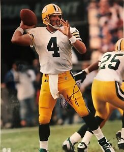 AUTOGRAPHED 16x20 photo of Brett Favre - Green Bay Packers AUTO SIGNED - HOF !!!