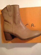 Brand New! Womens Boots Size 8.5