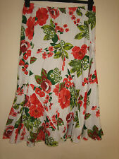 A LOVELY FLORAL PER UNA STRETCH SKIRT SIZE 10R /  LENGTH APPROX 26 INCHES