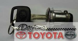 OEM TOYOTA 4RUNNER GLOVE BOX LOCK AND KEYS 69056-60160