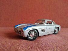 Bburago 1954 Gold Mercedes-Benz 300 SL 1:18 Diecast Car