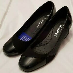 LADIES SHOES SIZE 4 BRAND NEW
