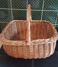 Large Vintage Willow Wicker Shopping/Storage/Display Basket