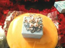 Gorgeous Gift 5 Pearls BROOCH One Crystal Silver colour setting costume jewelry
