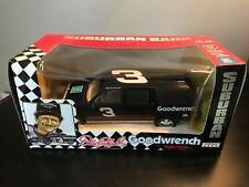Dale Earnhardt #3 Goodwrench Racing 1:25 Suburban Bank Mac Tools, GM