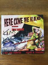 KIM WILDE - HERE COME THE ALIENS - CD ALBUM - HAND SIGNED - new!