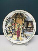 "Vintage Royal Doulton Family Christmas ""Caroling"" Collectible Plate 1989"