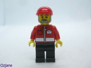 LEGO MINIFIGURE POST008 POST OFFICE WORKER TOWN CITY