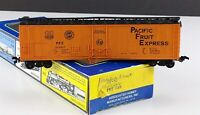 Lima  Pacific Fruit Express 50' Mechanical Reefer PFE 300207 HO Scale