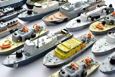 DINKY Sélection De Large Echelle Bateaux / Destroyers & War Bateaux