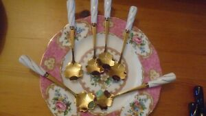 Stunning SET OF 6  WHITE MARBLE effect Spoons match most design of tableware