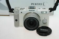 Pentax Q with 8.5mm f/1.9 White
