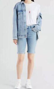 Women's Levi's Bermuda Denim Blue Jean Shorts (299690019) Light Wash Size 4